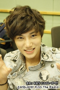 EXO-K-KAI-Kiss-The-Radio-exo-k-30765641-350-526